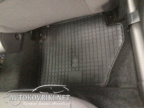 Резиновые коврики в салон для Ford Fiesta 08-/13
