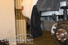 Брызговики для Mitsubishi Outlender XL 2007-2012 (задние) Novlin